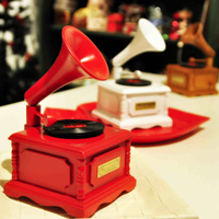 Phonograph wooden music box personality musical boxes birthday gifts girlfriend boyfriend display showcase gramophone prop model