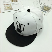 цена на Fashion new tide hat Spring autumn embroidery baseball cap men and women black white wild hip hop hats casual sunshade flat caps
