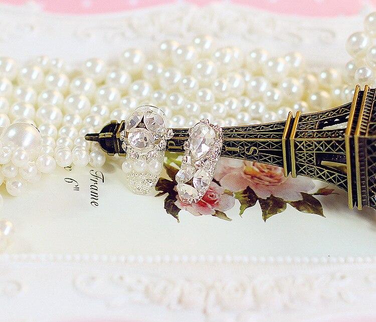 Fashion 24PCS Shining Rhinestone Wedding False Nails Transparent Glitter  Crown Designed Square Full Short Fake Nails nep nagels-in False Nails from  Beauty ... e2367a5d31a0