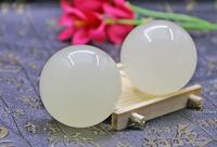 white Jade health ball for the elderly hand ball health carefor the elderly l baoding hand massage pressure(1PC)