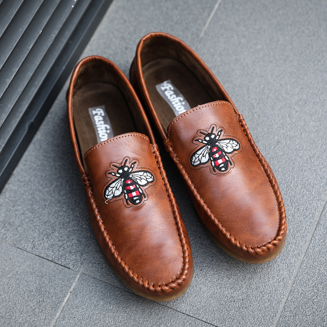 cde76a615a5 Luxury Casual Shoes Men Loafers Genuine Leather Flat Slip on Brand Designer  Shoes Men Moccasins Bee Embroider Footwear Male D50