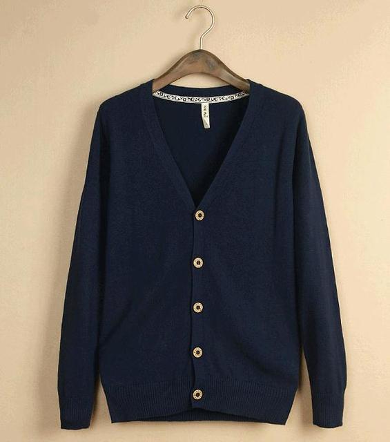 Nueva moda chaqueta de punto fino hombre de manga larga con cuello en V hombres de la capa de punto prendas de punto Color sólido jersey de punto
