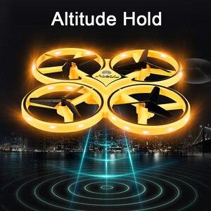 Image 2 - Novo mini drone pulseira controle infravermelho desvio de obstáculos mão controle altitude hold 2.4g quadcopter para crianças brinquedo presente zf04