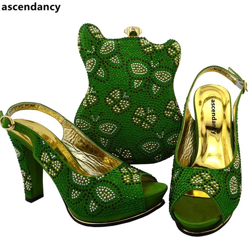 Последняя Щепка Цвет Обувь в африканском стиле и сумки в комплекте, Размер 38–43 в итальянском стиле по выгодной цене с доставкой в Для женщин в комплекте комплект из обуви и сумки, украшенные Стразы - 2