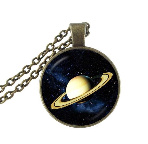 Colar de pingente de vidro jóias galáxia saturno planeta espaço bronze  pingente colares mulheres jóias gargantilha colar presentes do universo aead26c08d