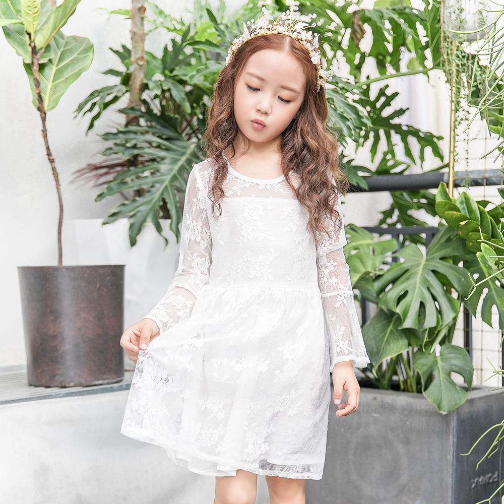 Princess Dress White A-line Lace Knee-length Girls Dress Cute Flare Sleeve O-neck Floral Long Sleeve Fashion Dresses for Girls baby girls knee length dress o neck full sleeve black&white striped child dresses new cotton kids clothes