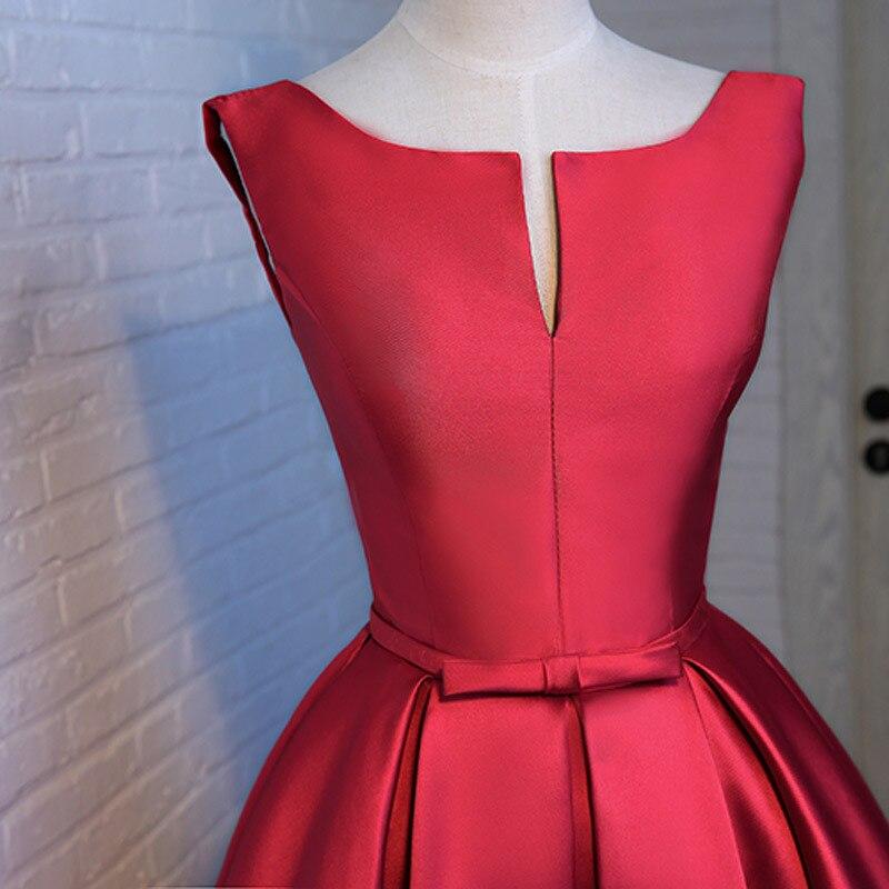 Платья на атласные короткие