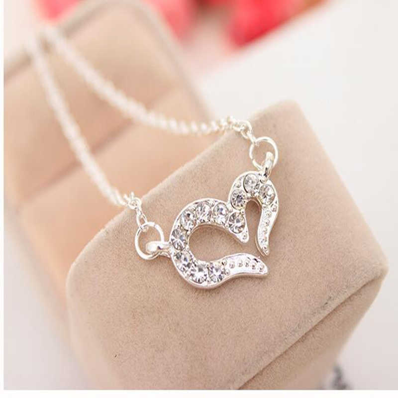 New Women's Fashion Rhinestone Vintage Love Heart Chain Women Necklace Jewelry CND234