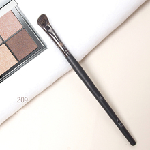 High end Eyeshadow Makeup Brush #209 Soft Squirrel Hair Angled Eye Nose Shadow Brush Make up Beauty Brush недорого