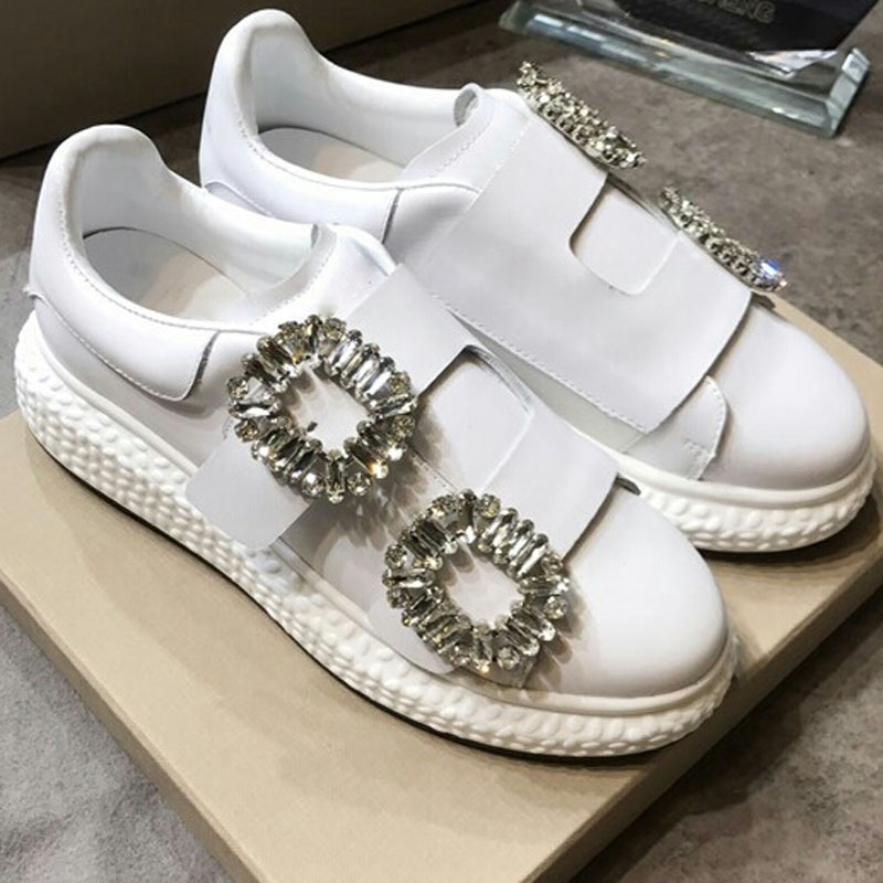Crystal Embellished Buckle Pattern Woman Shoes White Leather Woman Sneakers Round Toe Low Top Platform Brand Star Woman Flats цена 2017