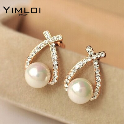 Nice shopping!! 2015 Fashion Gold Crystal Stud Earrings Brincos Perle Pendientes Bou Pearl Earrings For Woman E130  gold earrings for women