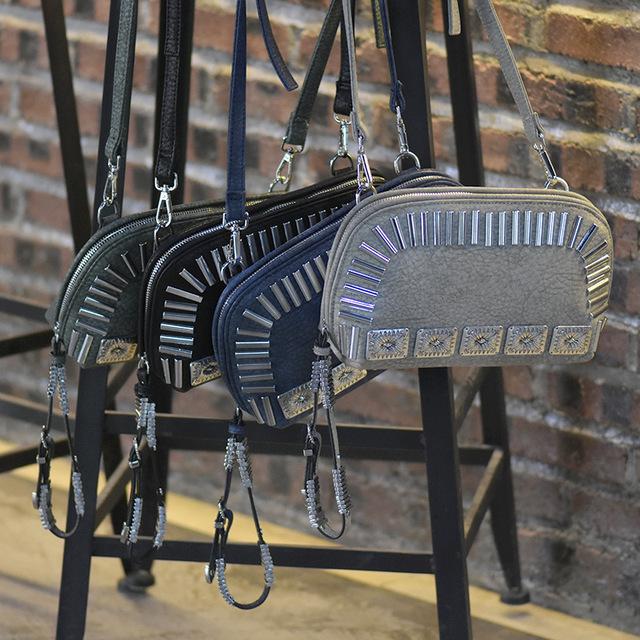 Rock Stud American Fashion Style Messenger Bag Clutch Handbag Punk Rivet Evening Bag Evnelope bag Designer Rivet Cross Body Bag