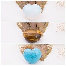лучшая цена NATURAL STONE Amethyst Opal Rose Tiger Eye Quartz Fluorite 30mm Heart Shape Turquoise Lapis Crystal Chakra Carved Healing Reiki