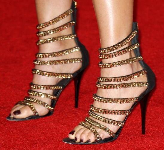 купить 2017 Summer New Fashion Metallic Gold Chain Women Sexy Sandals Cut Out Style Ladies Party High Heel Club Stiletto по цене 4979 рублей
