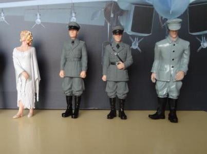 ФОТО 1:18 good  quality  pvc  figure Cars decration  soldiers of World War II   sandbox scene simulation doll ornaments 4pcs/set