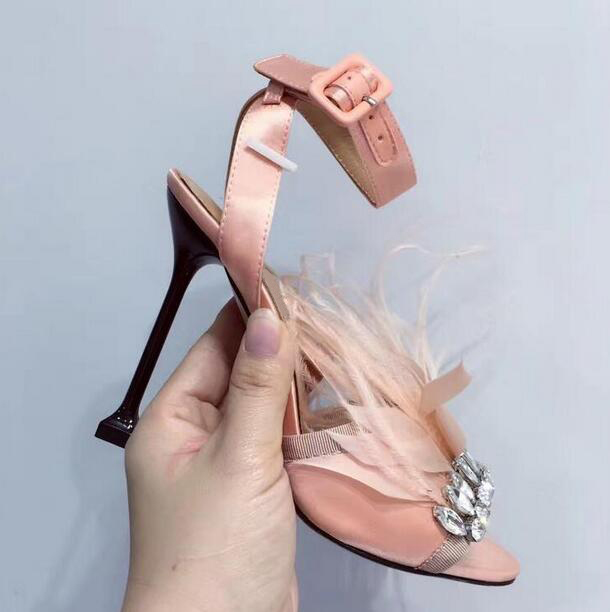 2018 Summer New Fashion Pink Satin Women Luxury Crystal Sandals Sexy Open Toe Ladies Feather High Heels Metal Thin Heel Sandals women sandals new sexy high heel gladiator sandals women ladies fashion contract candy color sexy open toe dancing sandals
