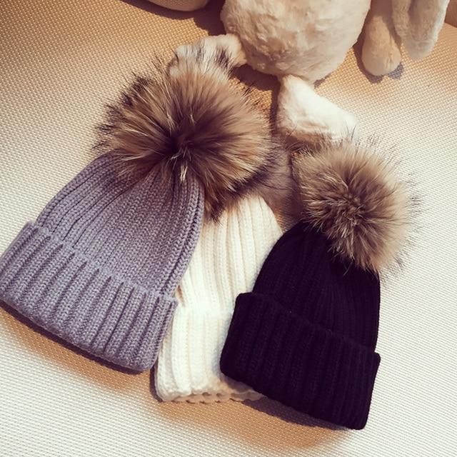 Largeswan reale pon pon di pelliccia cappello 2017 donne di inverno cappello  caldo berretto a maglia ... 95218e6d10ce