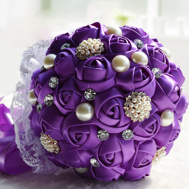 Blanco marfil rojo rosa púrpura artificial hecha a mano del satén rosas ramo de novia con diamantes de imitación perlas de flores de la boda romántica