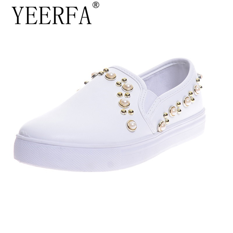 YIERFA 2017 NEW spring autumn  Women Flats Rivets Faux Pearl Fashion Loafers Platform Casual Shoes For Woman size 35-39 beyarne rivets decoration brand shoes flats women spring autumn fashion womens flats boat shoes sexy ladies plus size 11