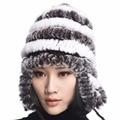 Ursfur rex coelho chapéus de pele das mulheres de inverno cap ouvido flexível multicolor venda quente cap gorro de pele real com listra pompons