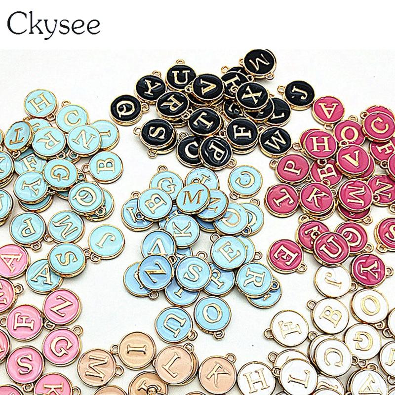 Ckysee 10 sztuk/partia 12*14mm czarny biały różowy emalia alfabet początkowa litera Charms Handmade wisiorek dla Diy bransoletka two...