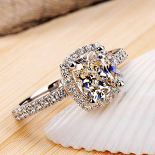 Luxurious 2 ct CZ Rings Female Ring Bijoux Newest White  4 Prong Zirconia Wedding Engagement Rings For Women