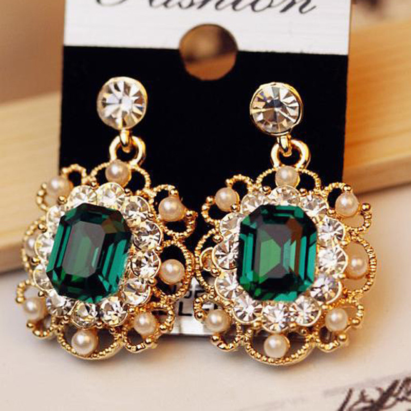 YIMLOI 19 Newest Korean Earrings Ladies Jewelry Pearls Vintage Fashion Shiny Crystal Square Earrings For Women Wholesale 8g 1