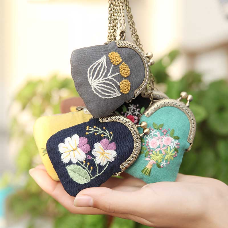 DIY Flower Mini Embroidery Bag Kits,Embroidery Necklace Key Chain Cross Stitch Sets Needlework Flower Printed Canvas Swing Craft