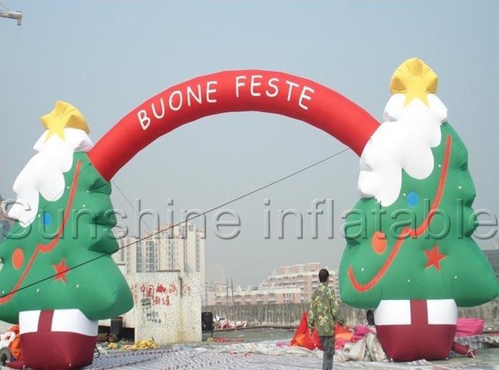 Arc gonflable géant d'arbre de noël, arc gonflable de noël pour la décoration d'événements