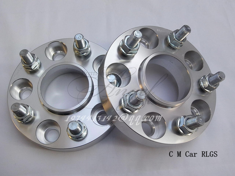 A pair (2 pieces),thickness 30 mm,5 x114.3 hole 60.1mm, wheel adapter, spacers, suitable for lexus RX400H, SC, IS, GS, ES series
