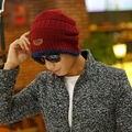 Nuevo sombrero de otoño e invierno de los hombres con pantalones de cachemir cálido set casquillo de la cabeza del sombrero de montar manguito del oído sombrero de punto de Corea marea