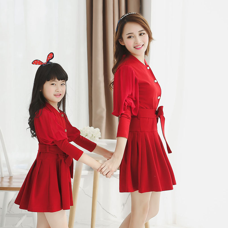 New arrive mother daughter dresses family look girl and mother family clothing mom and daughter dresses matching family outfits 2015 summer family clothing sets mother father child matching dad mom daughter son t shirt and shorts family look ma e filha