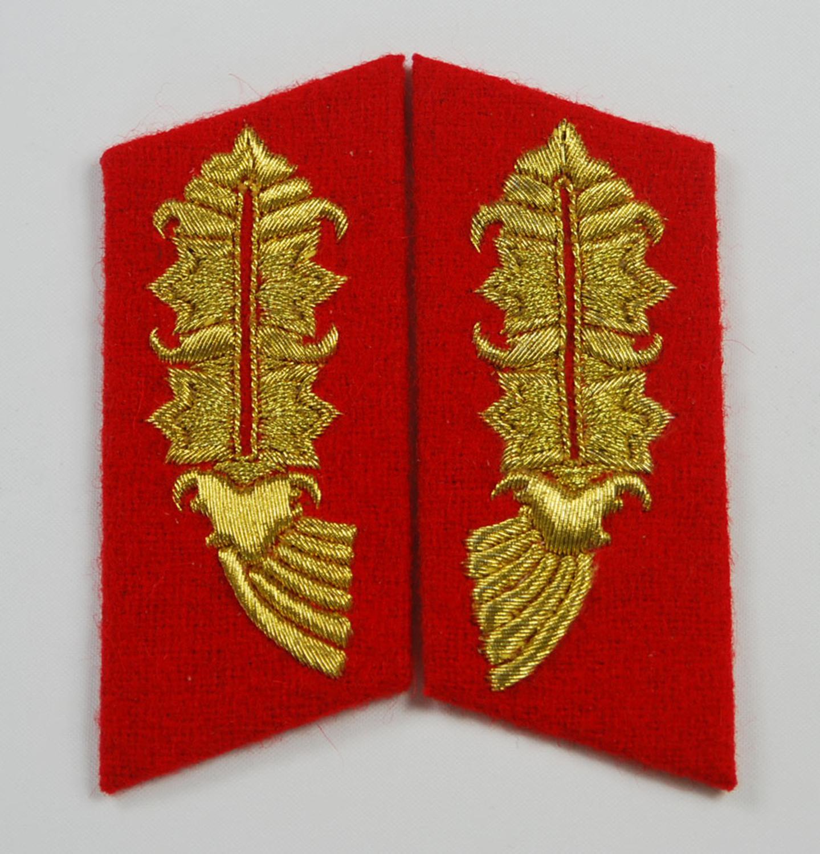 WW2 allemand maréchal CORNFLOWER col onglets/BADGE brodé or lingot