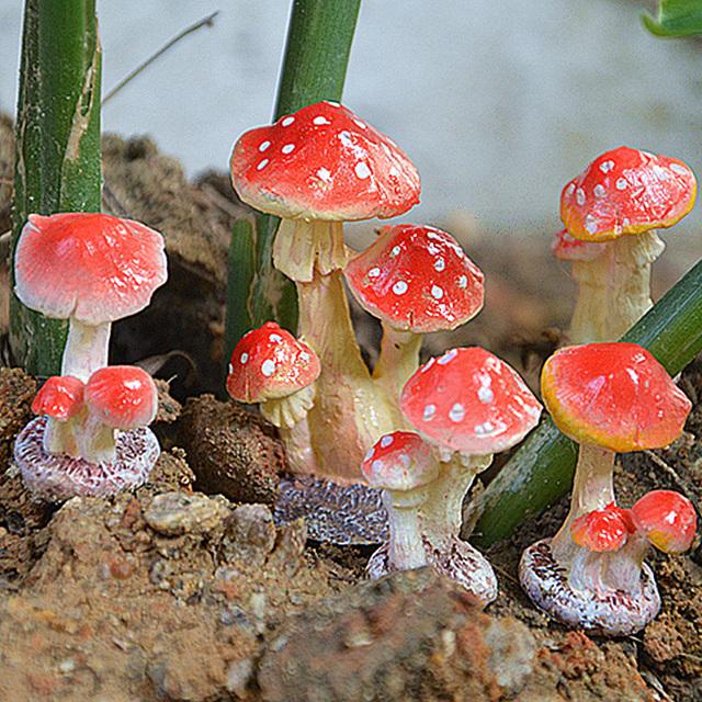 BESTOYARD 3 Head Red Mushroom Toadstool Miniature Fairy Garden Terrarium Figurine Dollhouse Decor