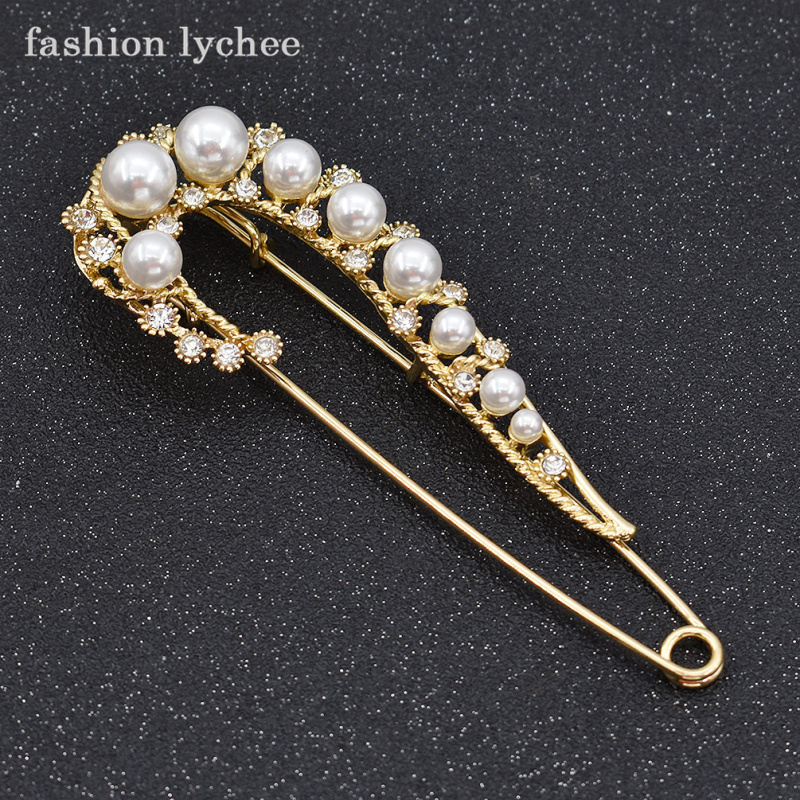 fashion lychee Gothic Vintage Design Oversized Simulated Pearls Flower Pins Sweater Clip Exaggerated Brooch Jewelry