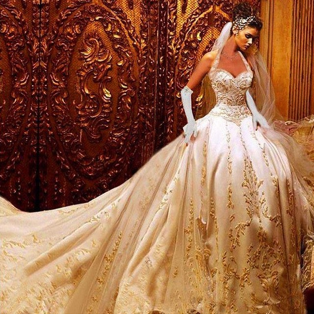 2017 Luxury Ball Gown Wedding Dresses Halter Cathedral Train Gold Lace Liques Bridal Occasions Up