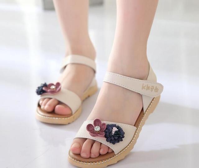 a3013c27ee38d8 R$ 21.22 23% de desconto|Nova Flor quente Menina Sandálias Crianças  Sandálias Sapatos de Couro Genuíno qualidade 1 10 idade anos de idade da ...