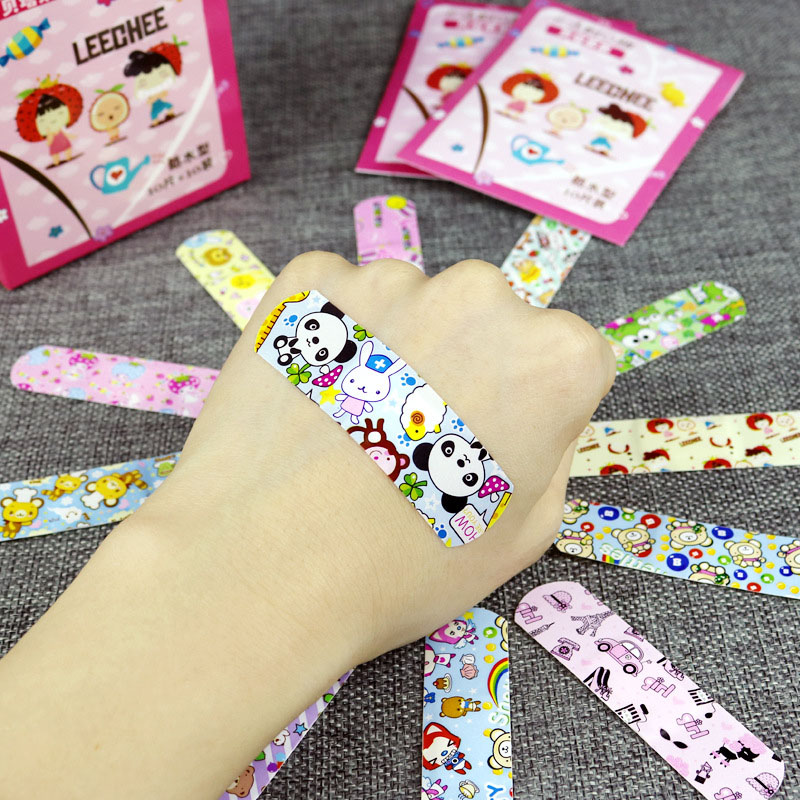P 100pcs Cute Cartoon Waterproof Breathable Band Aid Hemostasis Adhesive Bandages First Aid Emergency Kit For Kids Children 100pcs waterproof breathable cute cartoon band aid hemostasis adhesive bandages first aid emergency kit for kids children