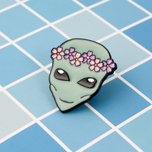 Cosmic persona pin Corona di Fiori Alien spilla Smalto morbido pin Livello limite denim distintivo cap sacchetto dei monili di Regalo per l'amico ventilatore(China)