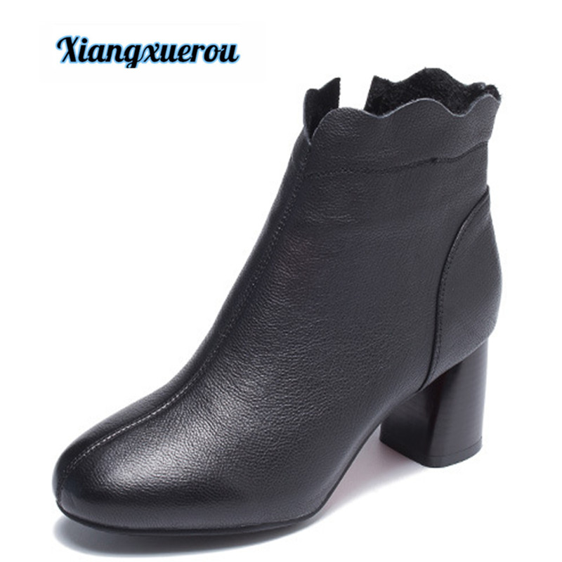Xiangxuerou New casual leather short boots for women with round head and high heel casual metal and flat heel design short boots for women