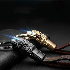 Yaratıcı LED ışık leopar kafa modeli anahtarlık gerçek inek derisi anahtarlık anahtarlıklar otomobil anahtar halkalı anahtarlık araba aksesuarları hediyeler