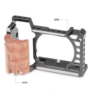 Image 2 - SmallRig A6500 כלוב עם עץ יד Sony Alpha A6500/ILCE 6500 מצלמה כלוב שחרור מהיר הרכבה ערכת 2097