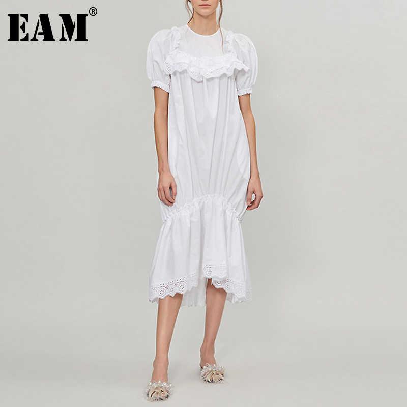 [EAM] 2020 חדש אביב קיץ עגול צוואר קצר שרוול לבן תחרת ראפלס פיצול משותף שמלת טמפרמנט נשים אופנה גאות JW634