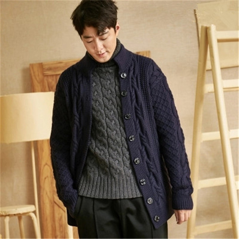 100% Hand Made Pure Wool Turtleneck Knit Men Fashion Solid Single Breasted Loose Twisted Cardigan Sweater Customized