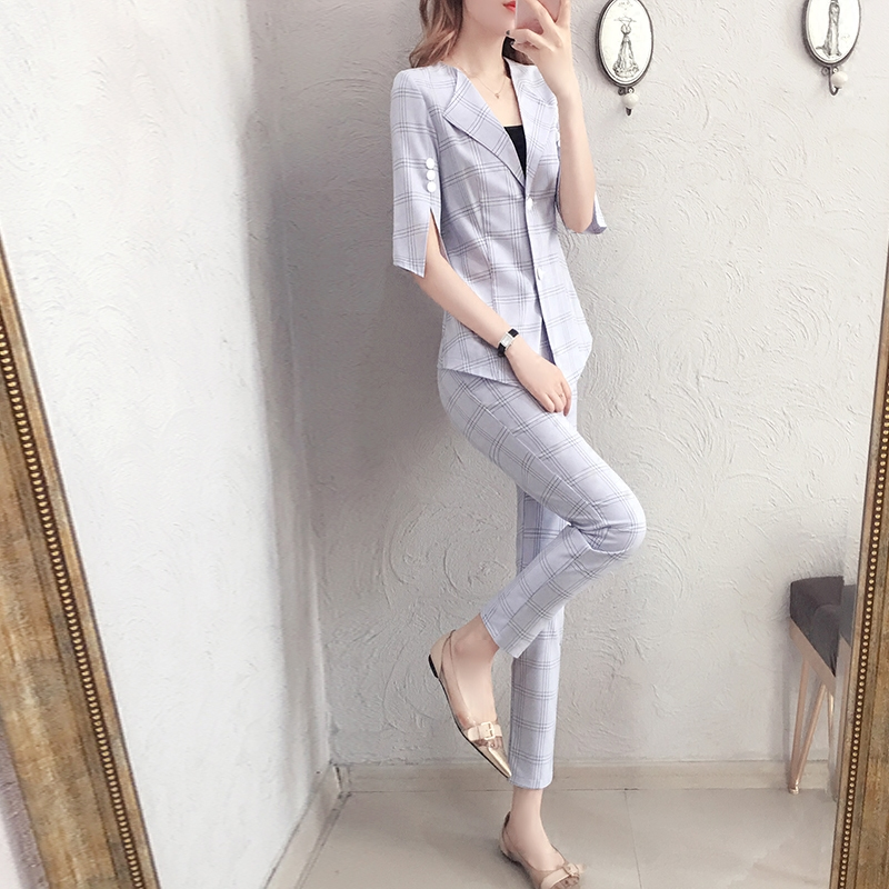 Short-sleeved suit suit female 2018 summer new fashion socialite suit nine feet pants two-piece suit