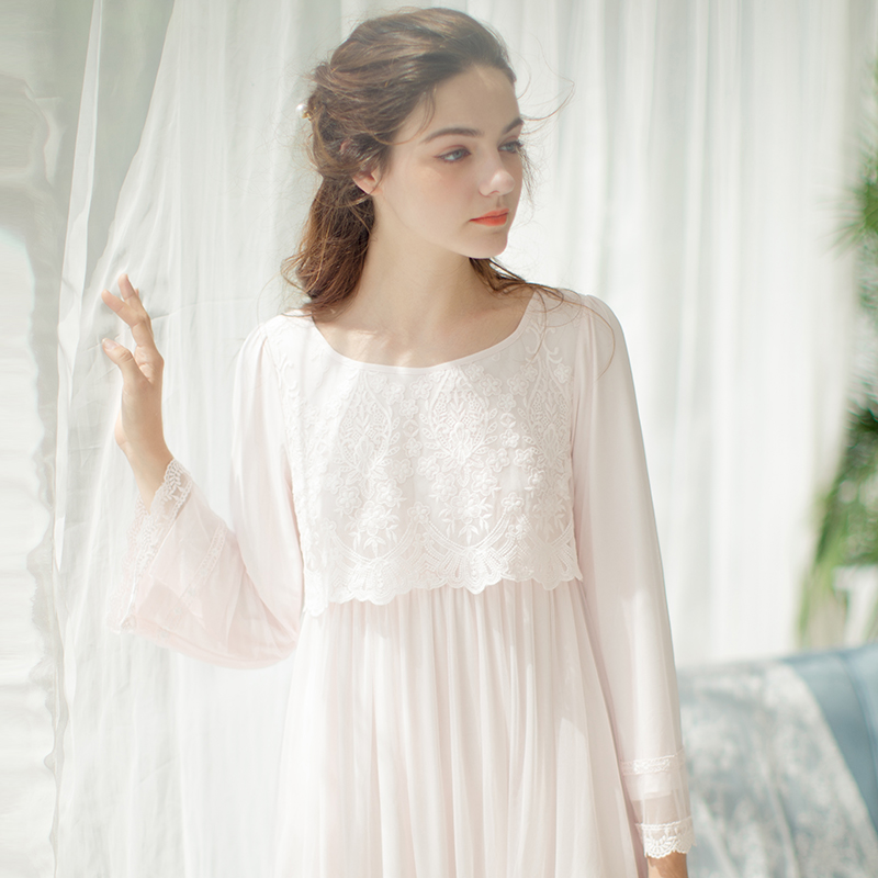 2018 spring palace style lace detail mesh veil sleep dress maternity female top simple elegant nightgown robe pregnancy pajamas sleep professor spring love