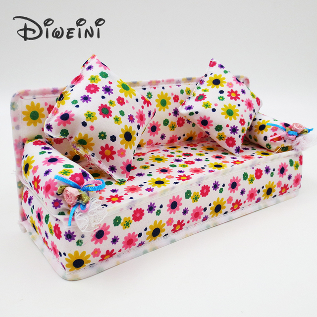 Mini Dollhouse Furniture Flower Cloth Sofa Dolls Accessories Couch With 2 Full Cushions For Barbie Doll House Toy girl wholesale