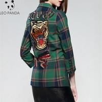 2019 New Women Wear New Winter Coats Full Sleeve Cartoon Bows sequins coat Tiger head Embroidery Lattice Outerwear Female XY110