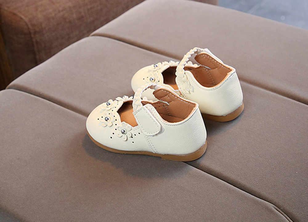 รองเท้าเด็กผู้หญิงเจ้าหญิงรองเท้าเด็กวัยหัดเดินดอกไม้ Hollow รองเท้าเรือเพิร์ลเด็กสาวเจ้าหญิงรองเท้าผ้าใบรองเท้า
