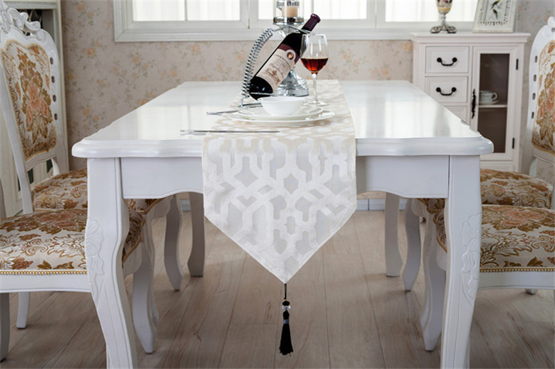 Popular table runners christmas buy cheap table runners - Chemin de table gris perle ...